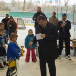 Bürgermeister beglückwünscht Klein und Groß